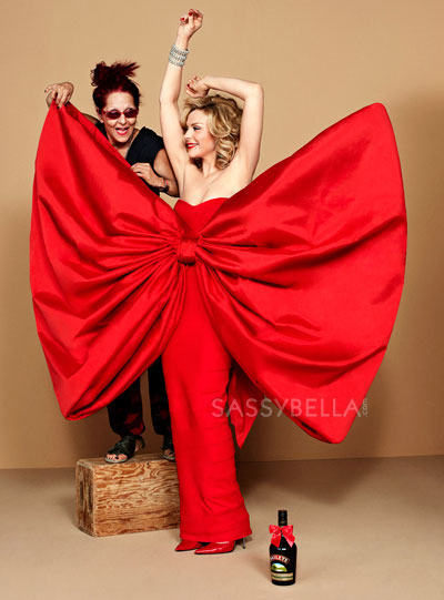 Bailey's gets Patricia Field to tie Kim Cattrall up in a big red bow