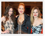 jerryhall-daughters-small