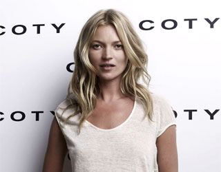 Kate Moss to create an inaugural Rimmel London Makeup collection!