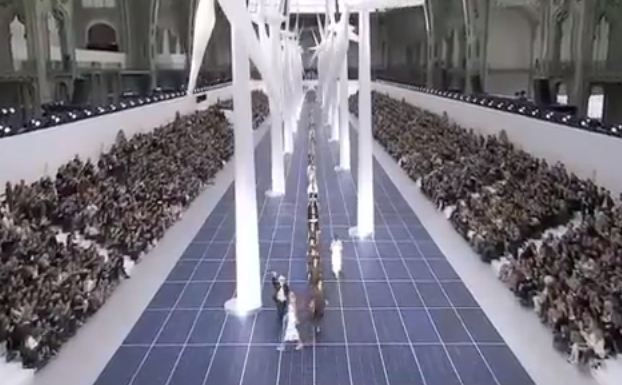Paris Fashion Week S/S 2013: Erethral, elegant beauty at Chanel blows us away