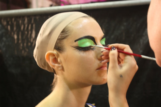 rwb-mbfwa-backstage-03