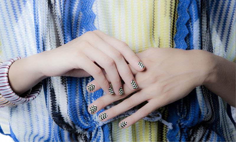 missoni-Zigzagscratch-nails